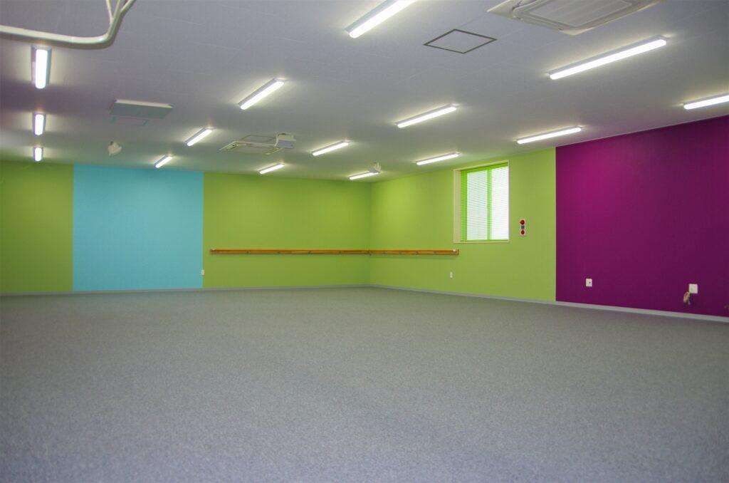 カーブス ひらせいホームセンター豊栄インター店 新潟プレハブ工業 店舗 女性だけの30分健康体操教室